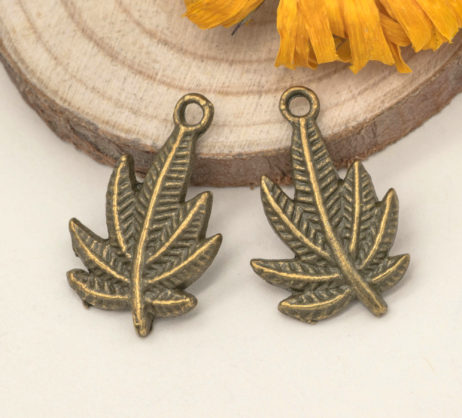 maple leaf charms