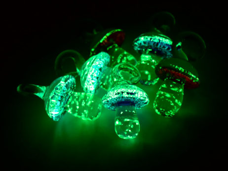 Glow in The Dark  Mushroom, Glass Pendants, 8pcs,  18x15mm,   Luminous Blue Pendants -P383