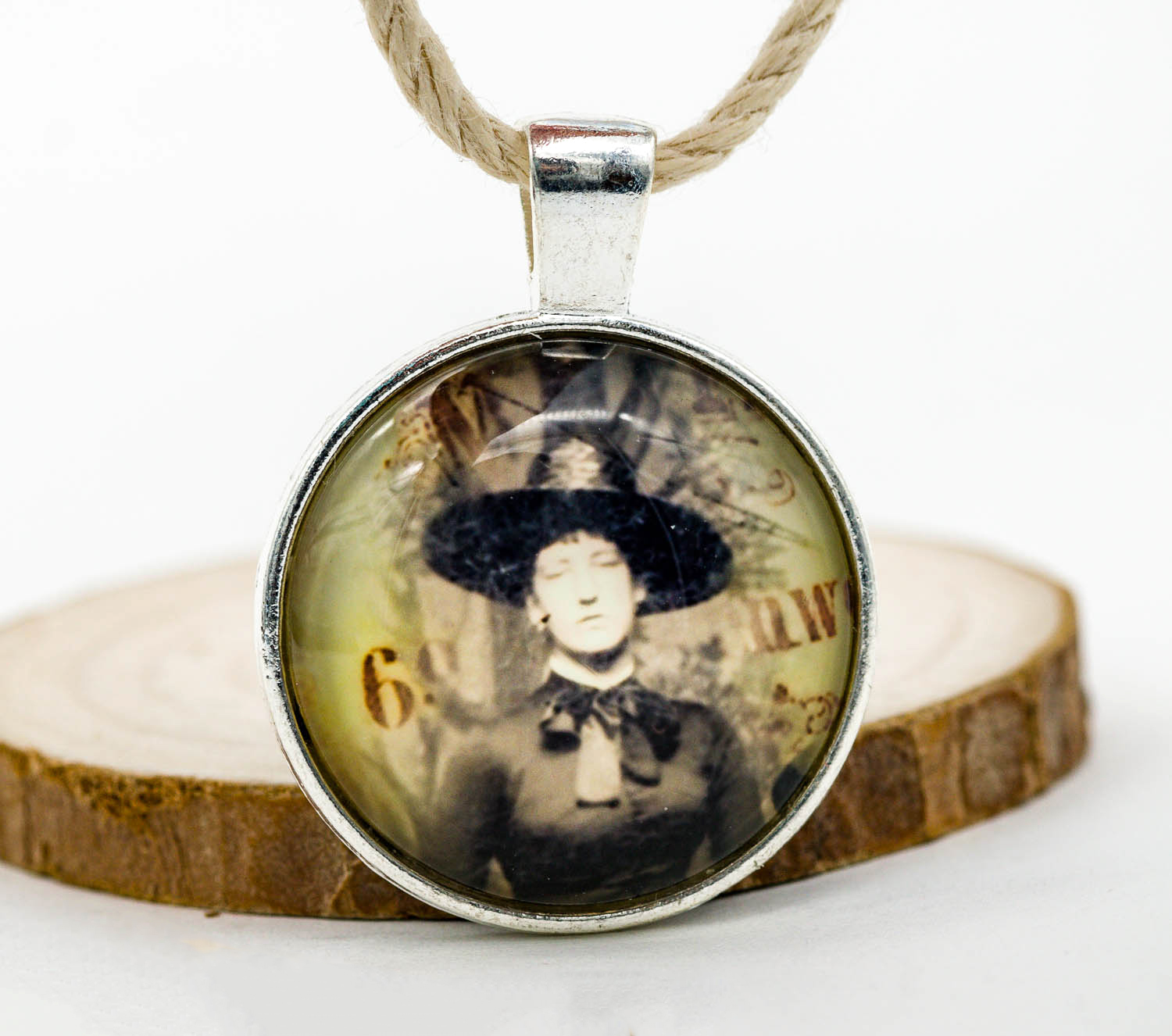 Metal picture pendant 1 inch 1pc witch p367 hemp beadery metal picture pendant 1 inch 1pc witch p367 aloadofball Image collections