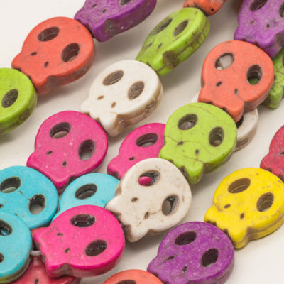 Flat Skull beads, Howlite Stone, Sugar Skull beads, 15x13mm, Gemstone Beads, 25pc Strand -B2044