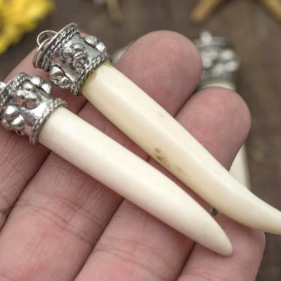 Bone Tusk Pendant, 1pc,  21/4 Inch,  Ox Bone Pendant, Cream Bone, Tusk Pendants, Bone Beads -Bn141