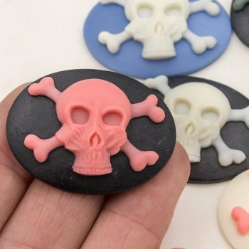 Skull  Cabochon , 6pcs, 40mm, Resin Flatback Cabochon,  Skull Cameo,   Skull and Crossbones -B181