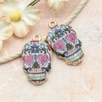 Skull Pendant, Halloween Charm, 18x13mm,  Skull With Heart Pendant  -C1091