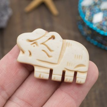 Carved Bone   Elephant Pendant, 40x28mm, Cow Bone Beads,   animal charms -BN131