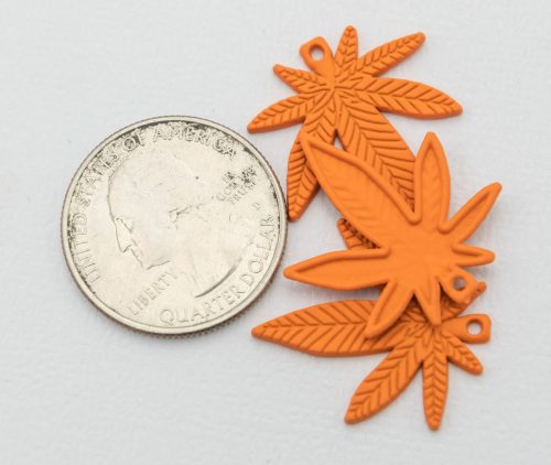 Cannabis leaf Pendant, alloy metal charm for hemp and marijuana jewelry,  5 pieces  -C1141