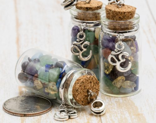 Glass Bottle Pendant,  ohm charm,  gemstone chip beads, 3pcs, 40x20mm,  cork Bottle -P385