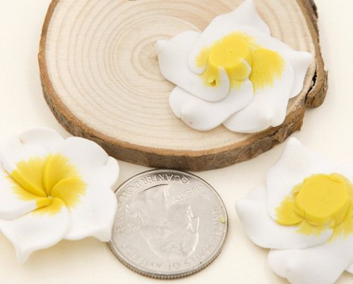 Polymer Clay Flower Beads,  10 pcs, 30mm,  White / Yellow, 1mm Hole- B2302