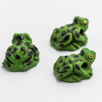 Green Frog Necklace  Pendants,  Frog  Beads, Clay Pendants,   2mm hole, Jewelry Supplies - 3 pieces
